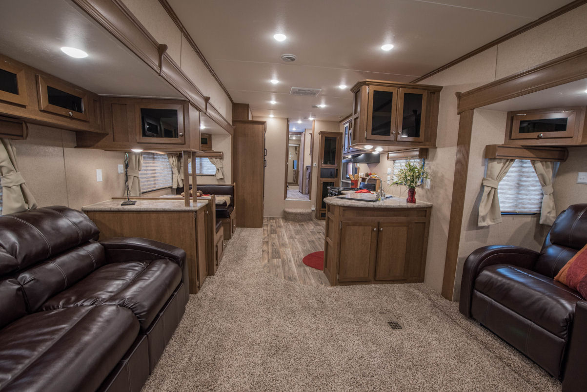 5th Wheel Trailers >> Custom 5th Wheel - Recreation by Design